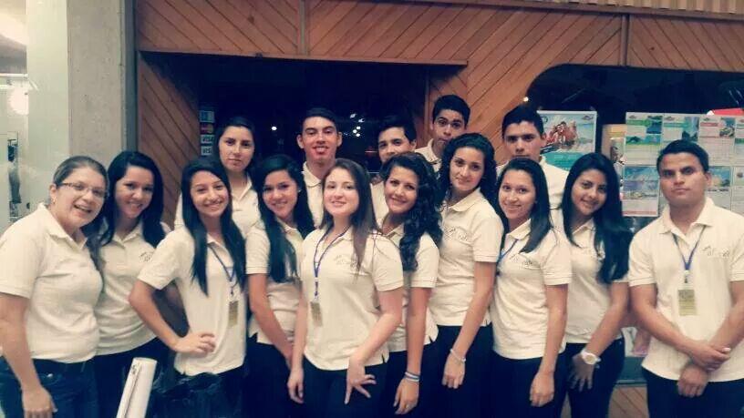 estudiantes creadores de biocafe